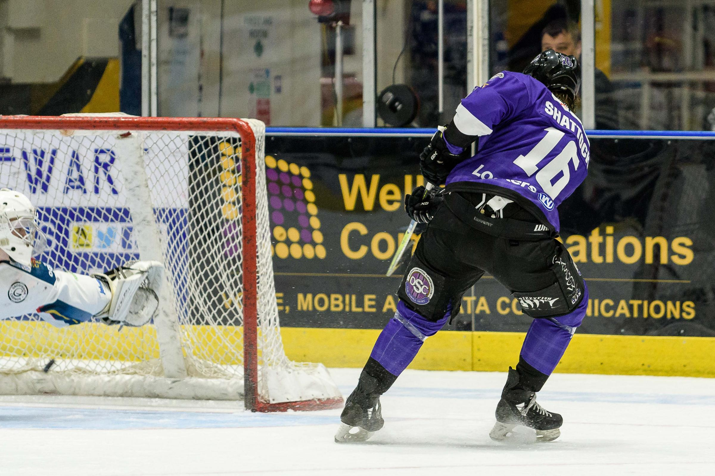 GREAT FINISH: Tyler Shattock fires Clan into a 2-1 lead against Edinburgh Capitals. Picture: Al Goold (www.algooldphoto.com),=
